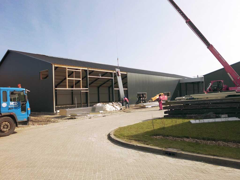 Bouwbedrijf-Hiemstra-Tzummarum-bedrijfspandmetlaadperron-2