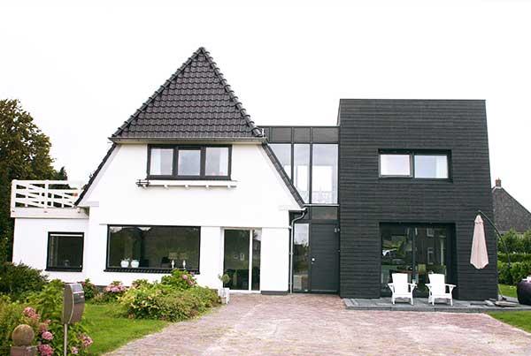 Bouwbedrijf-Hiemstra-Witmarsum-moderne-aanbouw-uitgelicht